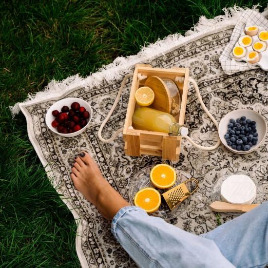 Letnie aranżacje z dywanem w tle